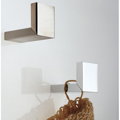 Colgador o toallero Regia Domovari serie Metropolitan